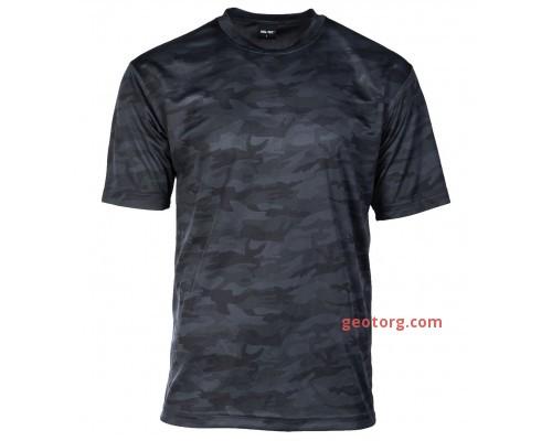 Темная камуфляжная футболка